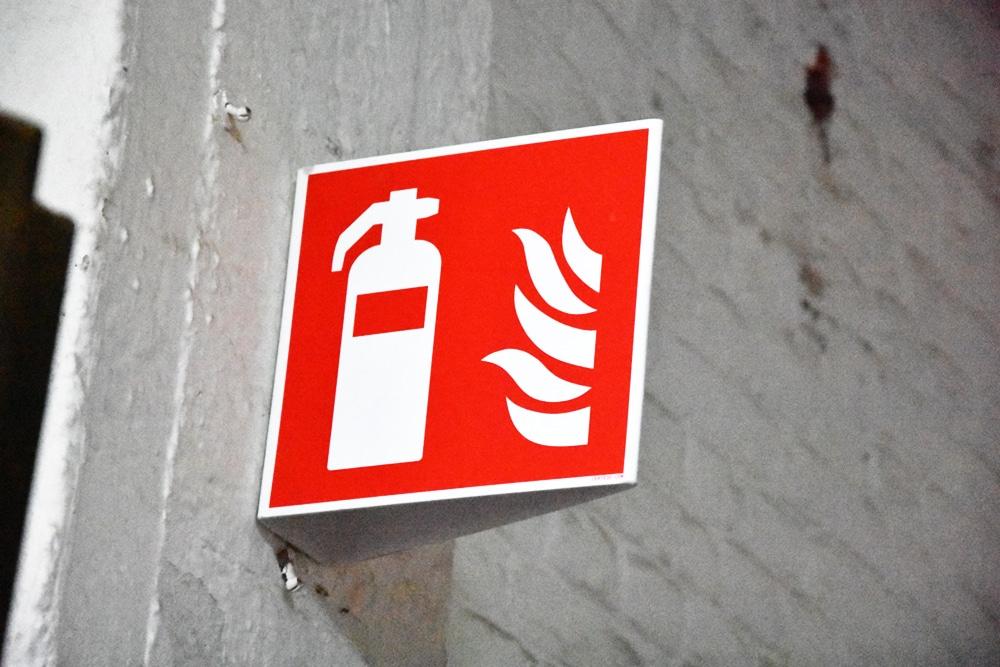 Wigvormig pictogram brandblusser